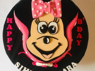 Homemade 3D customized cakes and cupcakes