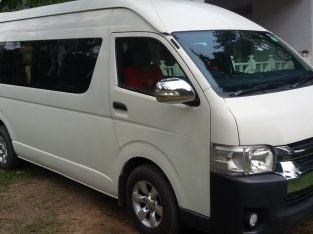 KDH VAN FOR HIRE colombo 10.