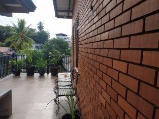 Three storied house for sale in Nugegoda