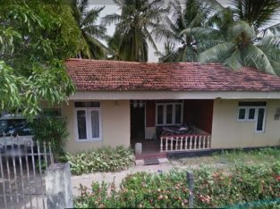 19.5 P LAND WITH OLD HOUSE NEAR PUTTALAMA TOWN