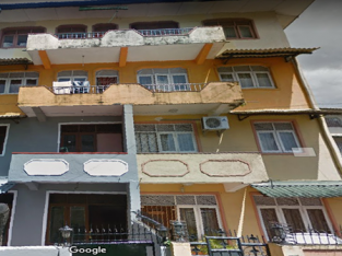 Spacious 3 bedrooms apartment available for rent